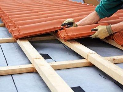 Refaire sa toiture gratuitement : est-ce vraiment possible ?