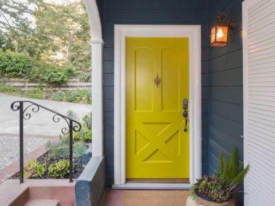 Rénovation d'une porte : comment la relooker facilement ?