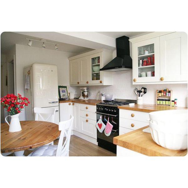 dossier r nover sa cuisine notre dossier sp cial conseils customisation transformation. Black Bedroom Furniture Sets. Home Design Ideas