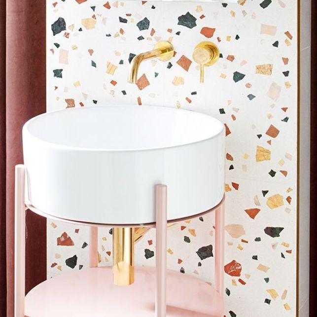 Une salle de bain tendance en terrazzo