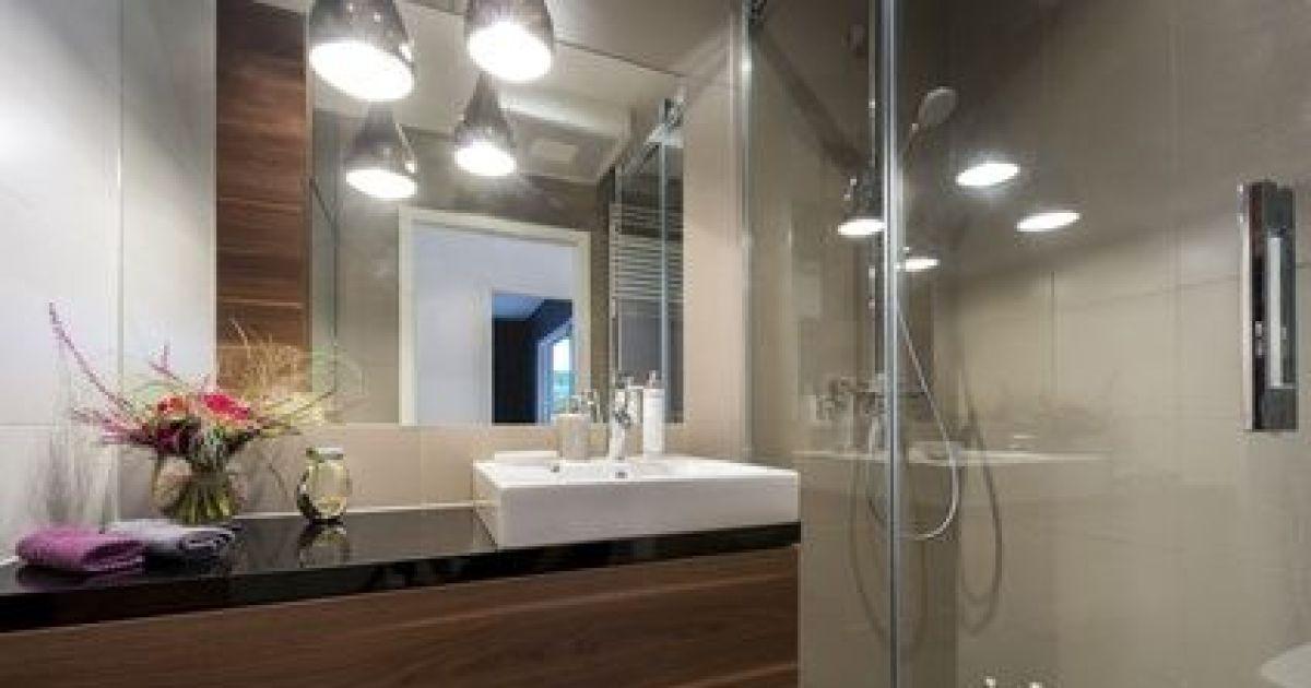 Le plan de travail de salle de bain caract ristiques pose mati res - Agencement salle de bain 6m2 ...