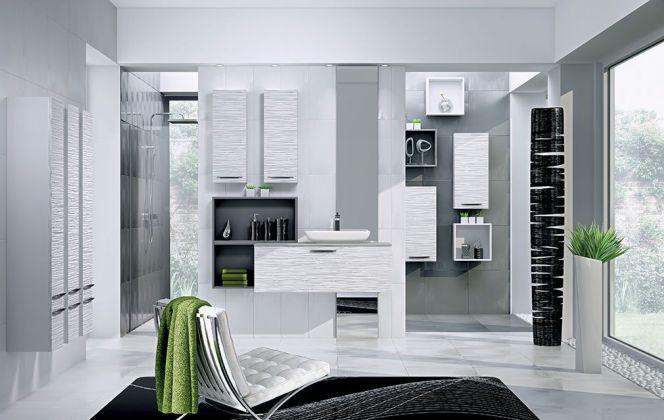 Cette salle de bain haut de gamme concentre l'espace autour de la nature, de la lumière et du bien-être. © Perene