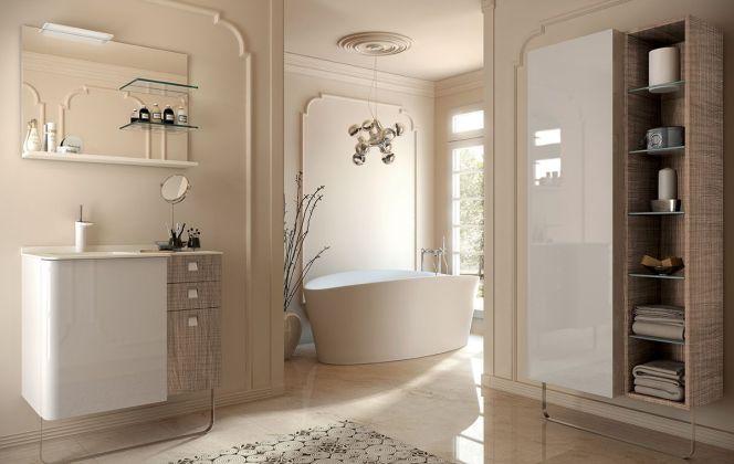 Cette salle de bain haut de gamme laquée ravira les passionnés du vintage grâce à ses teintes nacrées. © Pyram