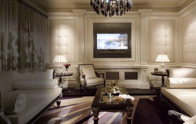 Ce magnifique salon très british saura donner du caractère et du charme à votre maison. © Clive Christian