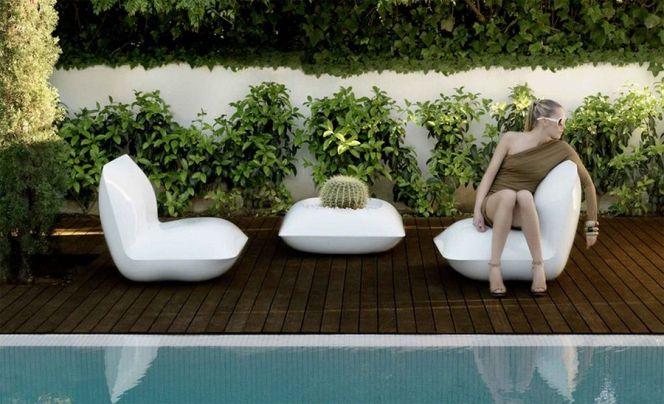 notre s lection de mobilier ext rieur haut de gamme ce salon de jardin de la marque espagnole. Black Bedroom Furniture Sets. Home Design Ideas