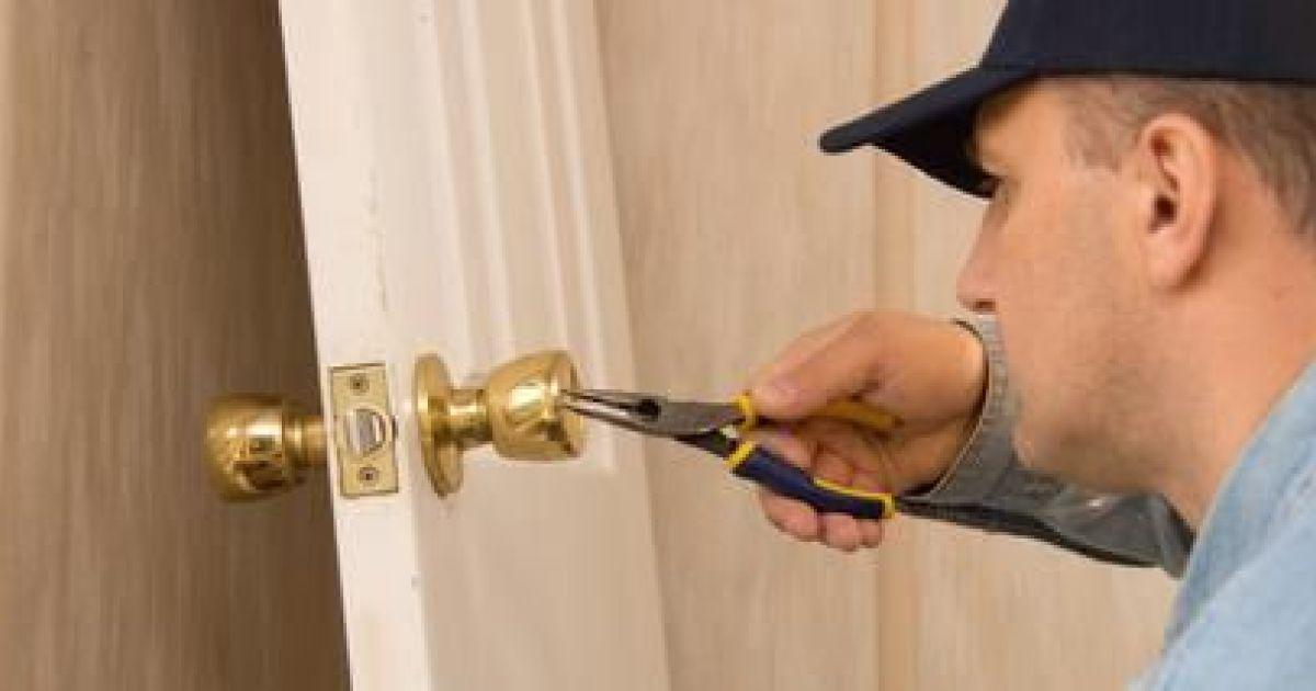 Ma serrure a cass que faire comment ouvrir ma porte - Comment ouvrir une serrure de porte de chambre ...