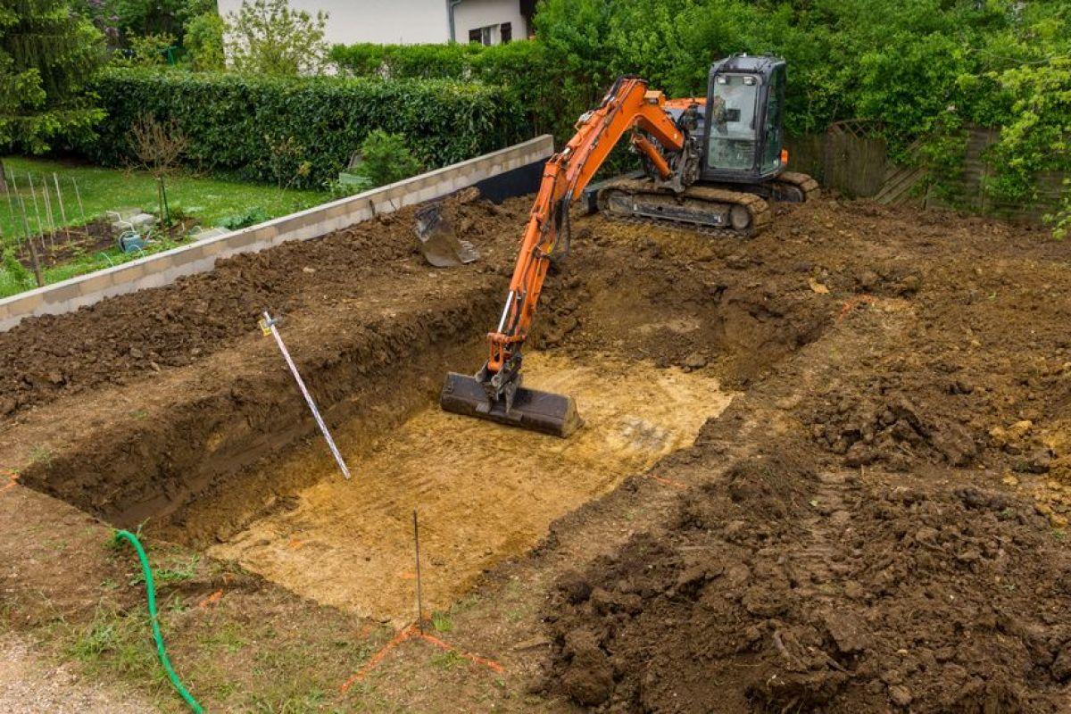 Construction D Une Piscine terrassement pour la construction d'une piscine creusée