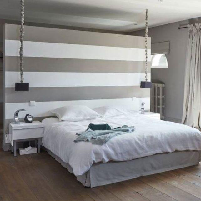 Une tête de lit stylisée pour décorer la chambre parentale