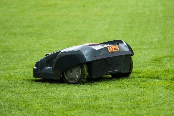 Tondre sa pelouse à l'aide d'un robot