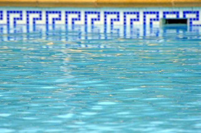 Traitement d'une piscine au brome