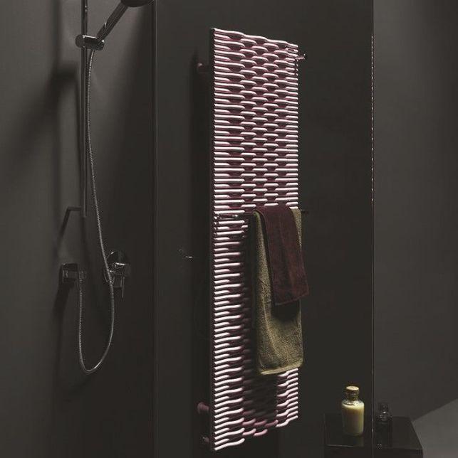 Colorez votre salle de bain avec ce radiateur décoratif vertical