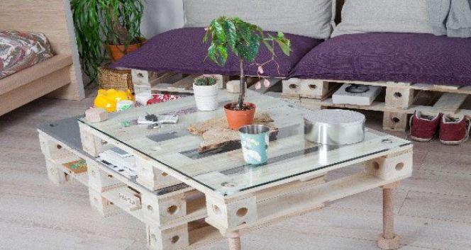 Transformer une palette en meuble de rangement