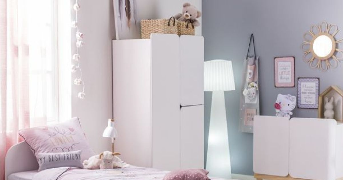 notre s lection des plus belles photos de chambres d 39 enfant chambre d 39 enfant violette par. Black Bedroom Furniture Sets. Home Design Ideas