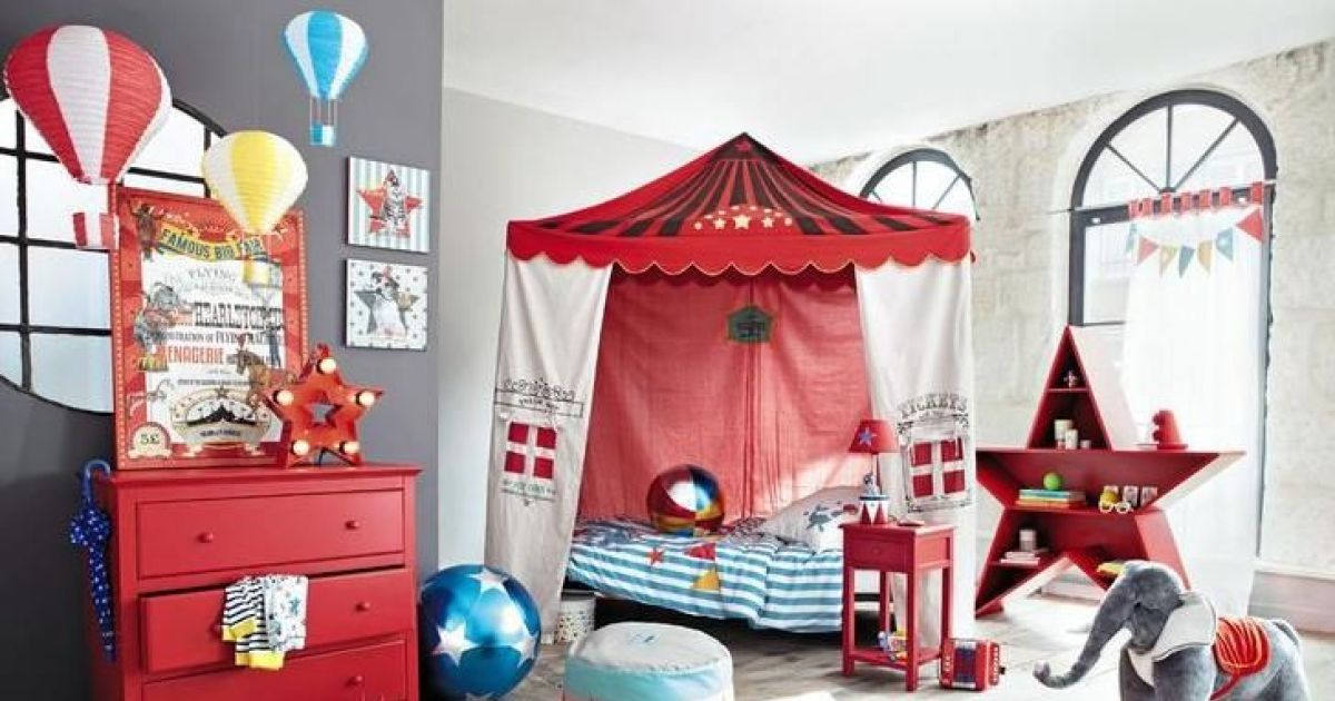 une chambre pour enfant sur le th me du cirque maison du monde. Black Bedroom Furniture Sets. Home Design Ideas