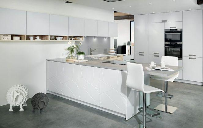 Une cuisine blanche design...  © Cuisines Schmidt