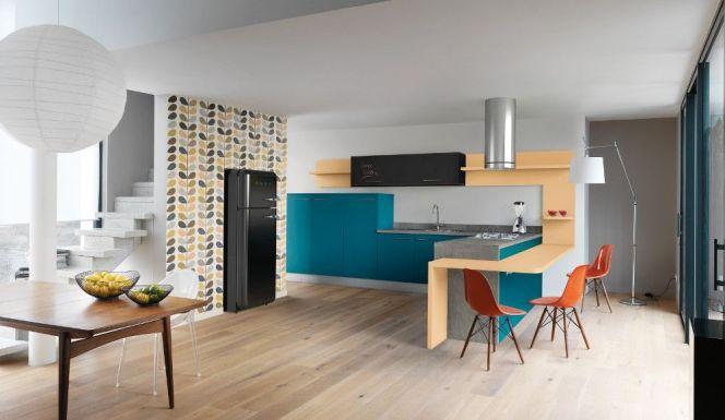 Une déco originale et colorée pour cette cuisine. © Arthur Bonnet