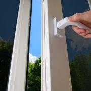 Une fenêtre à vitrage teinté