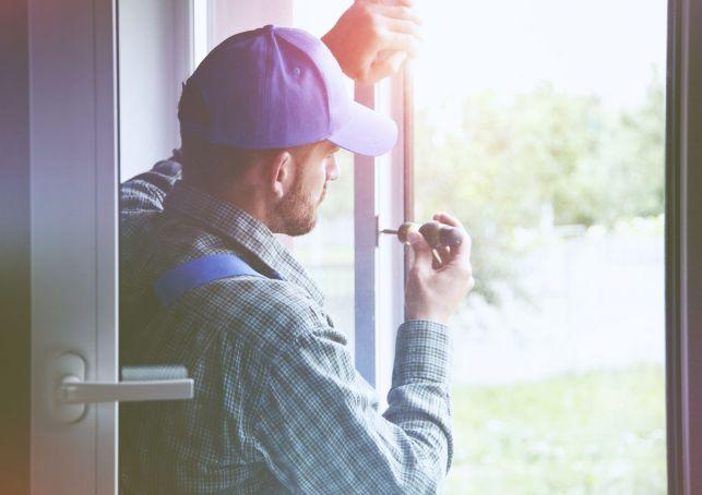 Une fenêtre avec vitrage autonettoyant