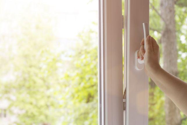 Une fenêtre avec vitrage isolant phonique