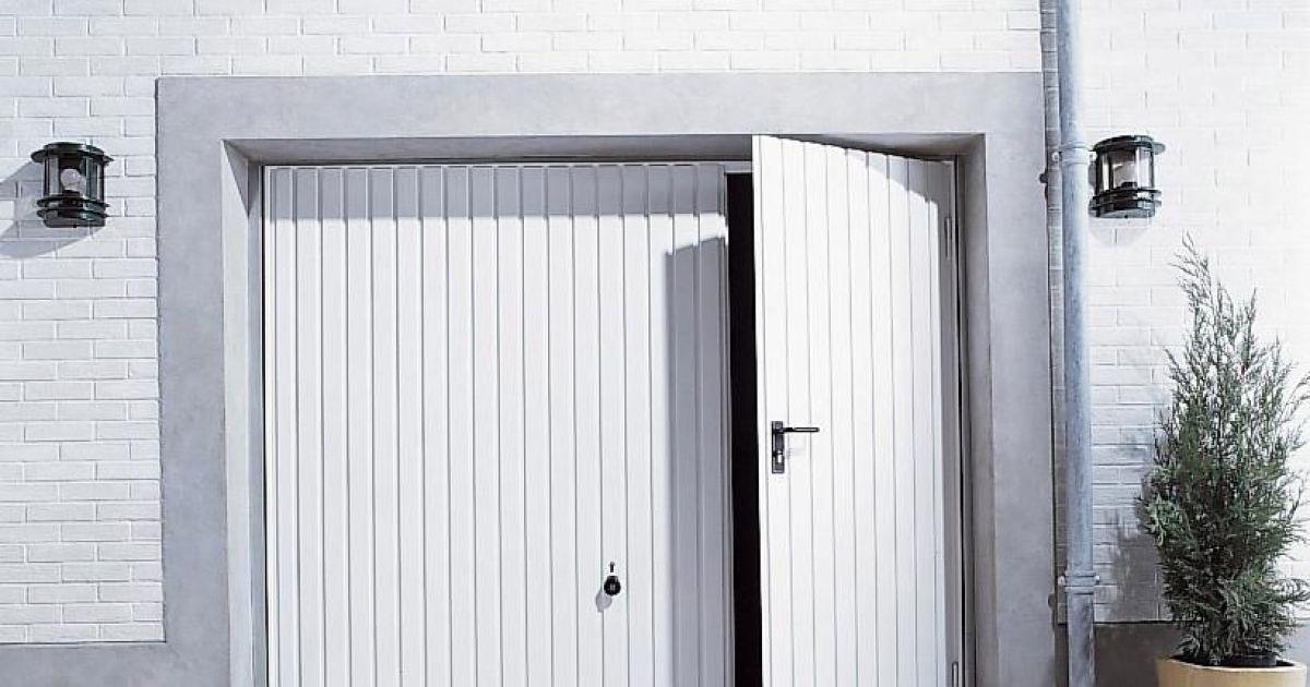 Le portillon de garage un acc s libre et rapide - Porte de garage avec portillon integre ...