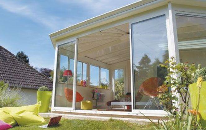 La véranda Éléganz offrira un magnifique style victorien à la maison et est personnalisable à souhait. © Veranda Rideau