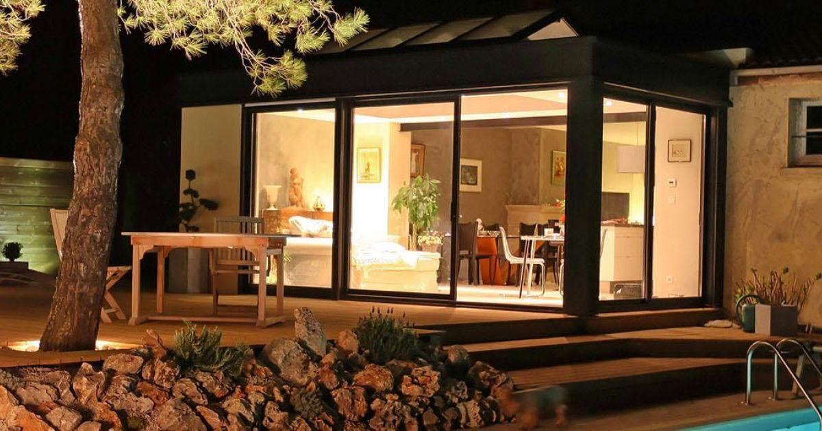 notre s lection des plus belles v randas la v randa extanxia permet de profiter d 39 un espace et. Black Bedroom Furniture Sets. Home Design Ideas