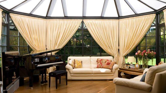 notre s lection des plus belles v randas cette magnifique v randa offrant lumi re chaleur et. Black Bedroom Furniture Sets. Home Design Ideas