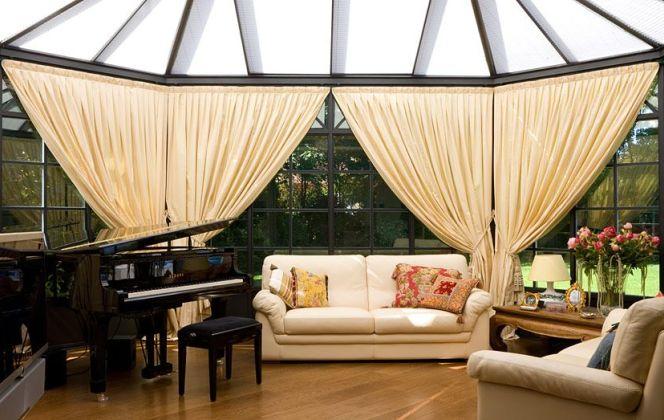 Cette magnifique véranda offrant lumière, chaleur et confort constitue un véritable supplément d'âme pour la maison. © Keller AG