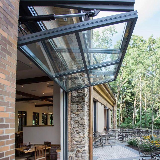 Optimisez l'espace avec une ouverture type porte de garage