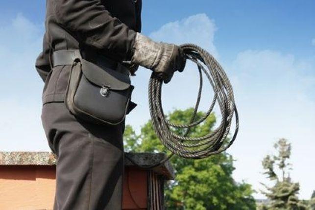 Vérification et contrôle du conduit de cheminée