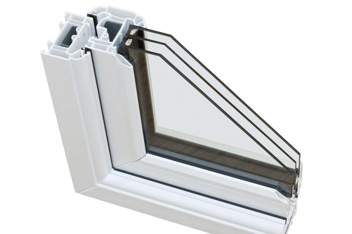 Tarif Vitrage Saint Gobain une fenêtre avec vitrage anti-effraction (vitre de sécurité)
